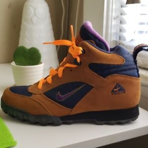 Nike hiking sneakers
